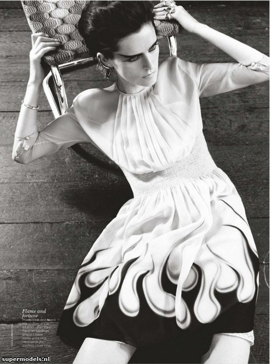Stella Tennant in 'Creature of Light' - Photographed by Emma Summerton (Vogue Australia July 2012 - W May 2012 Reprint)    Complete shoot after the click...