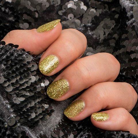 Sparkle with Pronails! #pronails #gold #nailart