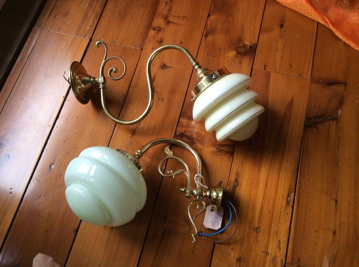 Vintage wall lights for The TinSnip Hairoom #vintagelights #vintagewalllights #walllights #retrolights