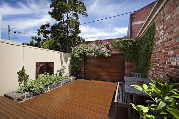 Inner city courtyard - Fitzroy, Victoria Australia