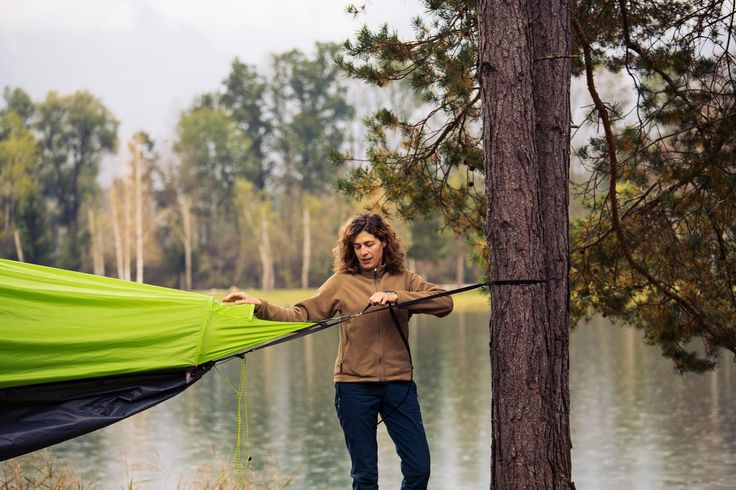 Setting up your flying tent – see how quickly you can start your adventure