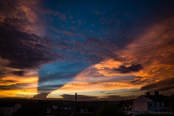 https://flic.kr/p/KQ8nNC | Shark fin Shadow Sunset | tonights crazy sunset, with…
