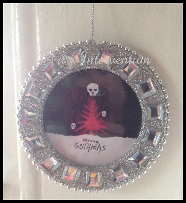 'Merry Gothmas' Silver glitter frame with square diamantés. Flat Christmas/Xmas decoration. Size Approx 11cm.. - Skull, Goth, Funny, humour. More can be found here: https://www.facebook.com/GeekCreatureCreations