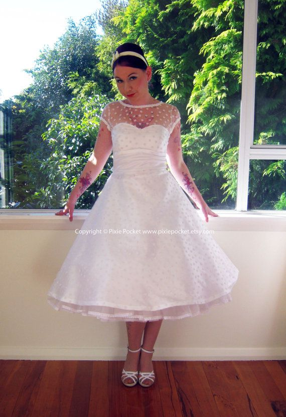 29 best 1940\'s USO Wedding images on Pinterest | Bridal gowns ...