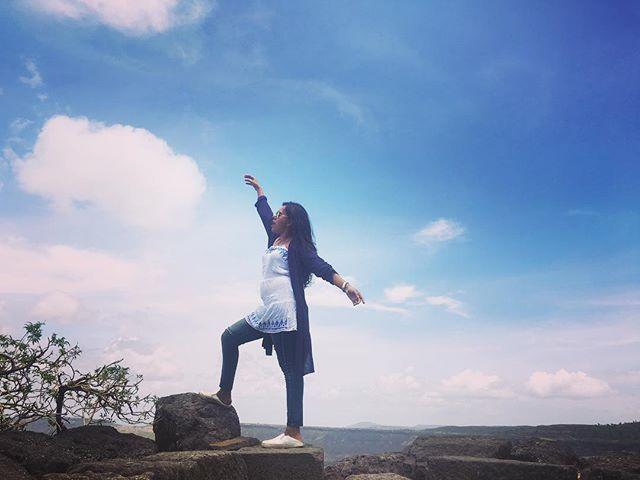 A place from where you see maximum sky ☁️ . . . . #girl #travel #traveller #travelbug #travelblogger #travellust #travellovers #wanderlust #instafun #instamood #instalike #instagood #instatravel #instagram #travelgram #instadaily #instagirl #instaselfie #indian #mumbaikar #photooftheday #travelphotography #womenwhoexplore #outdoortravel #girlsborntotravel #mumbaikar #marathimulgi #marathi #adventure #nature by @earthy_shades.  #pic #picture #photos #photograph #foto #instaphoto #pictures…