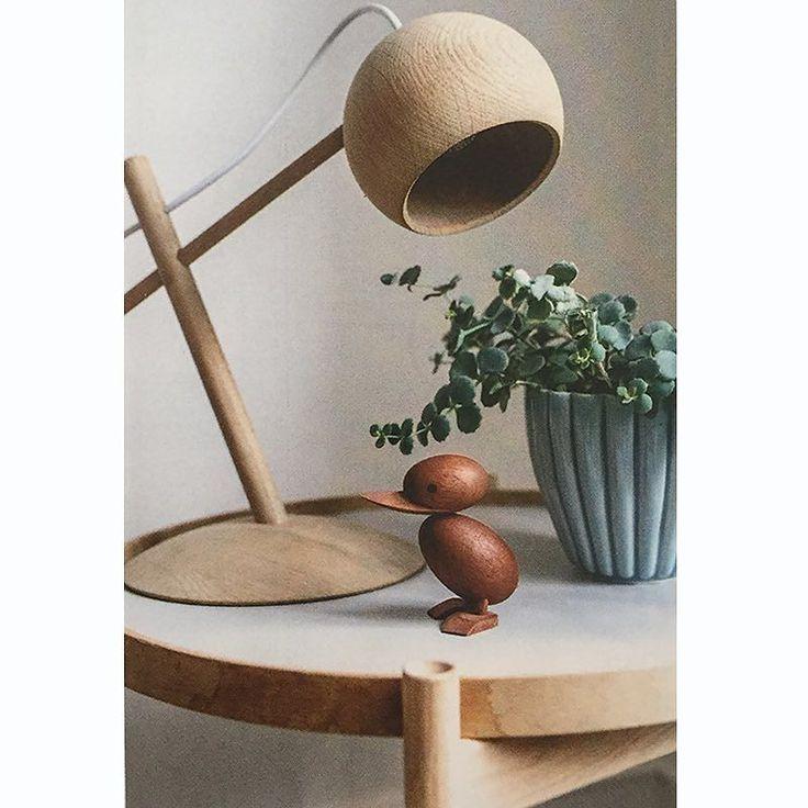 Tray Table and little duckling designed by Hans Bølling. Lune Lamp designed by @sverreuhnger. This fine photo taken by @boligliv_dk  #brdrkruger #interiordesign #hansbølling #sverreuhnger #woodturning #boligliv #craftmanship #madeindenmark