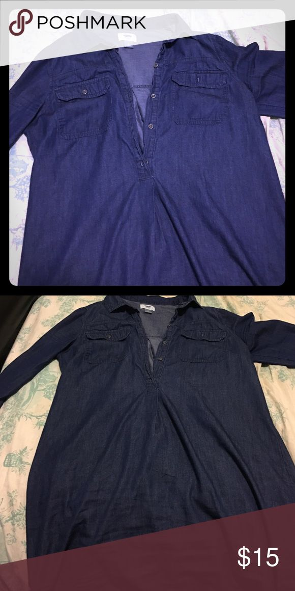 Chambray shirt dress Worn only a few times, excellent condition. Dark wash chambray shirt dress Old Navy Dresses