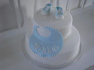 Himmelske kager: Baby converse sko på dåbskage