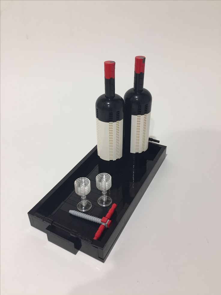 LEGO wine 🍷 Photo/model: S. Lysdahl