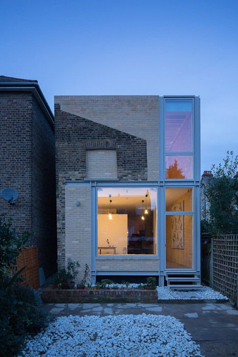 Remodelled London house extension reveals the outline of its predecessor.