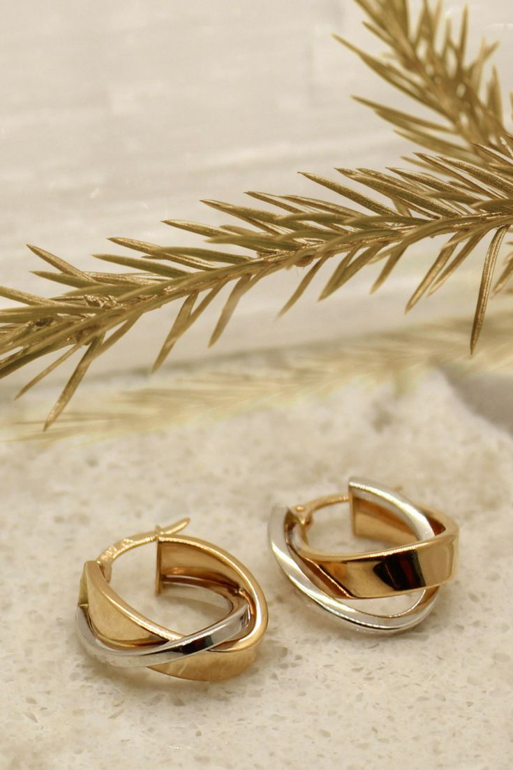 Gorgeous and versatile gold and whitegold earrings perfect for everyday or special occasion.