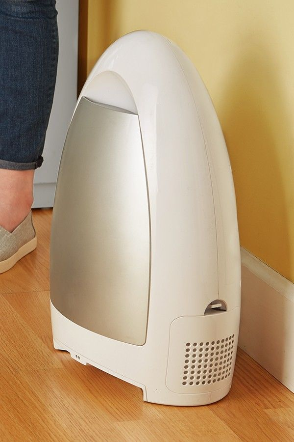 An Automatic Touchless Vacuum Makes Cleaning Up Easier Just Sweep