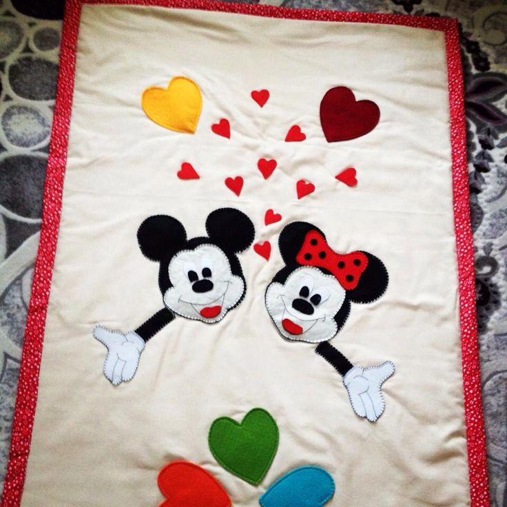 Keçe süslemeli battaniye