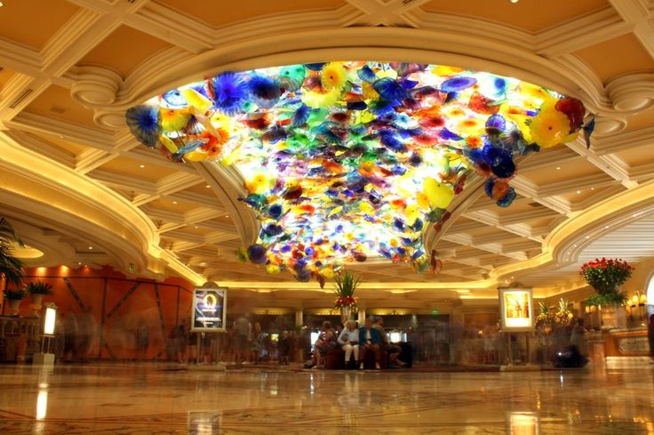 Bellagio Lobby by isabel-horselover07.deviantart.com