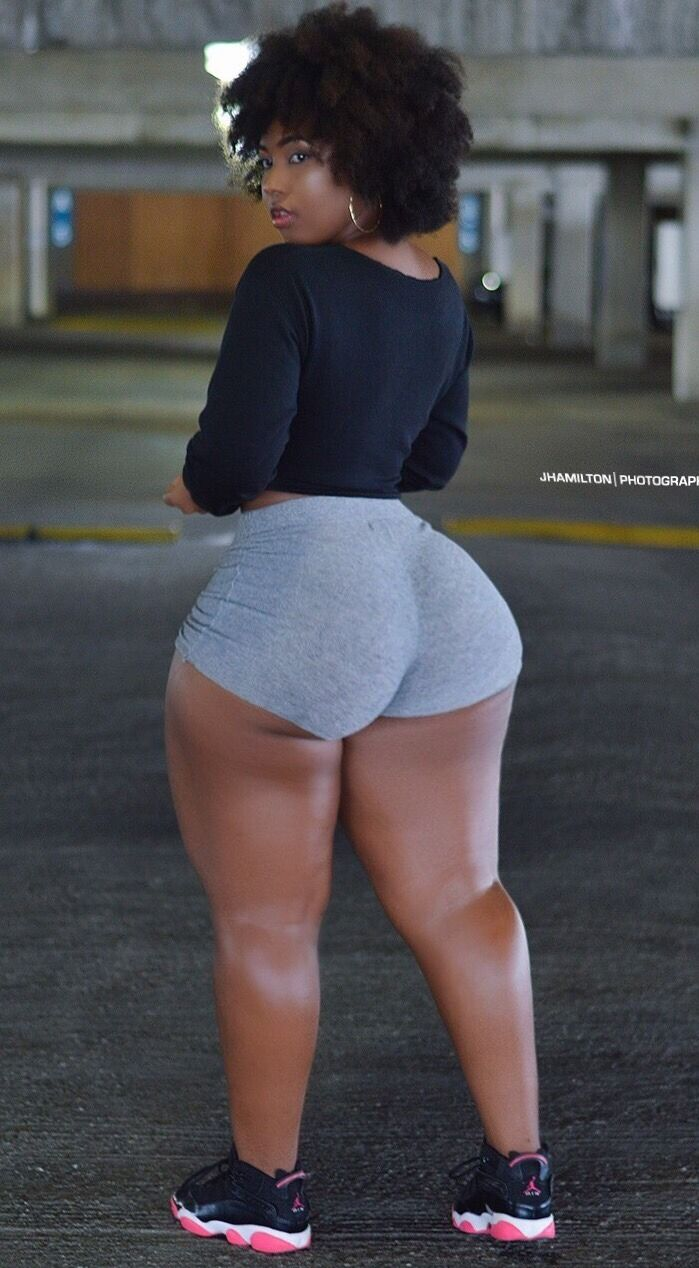 Phat ass pound donk candid gray tights 5