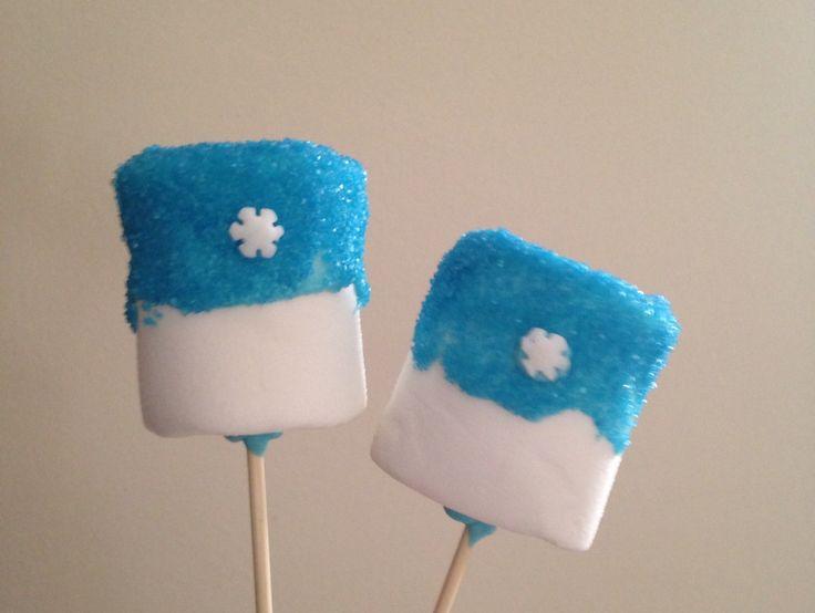 Frozen marshmallow pops - Frozen party - festa a tema Frozen  http://www.cookandcraft.it/compleanno-frozen-idee-sopravvivere/