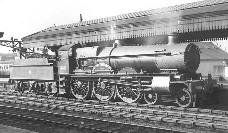 BR (GWR)  Saint class 4-6-0  No 2975 'Lord Palmer'