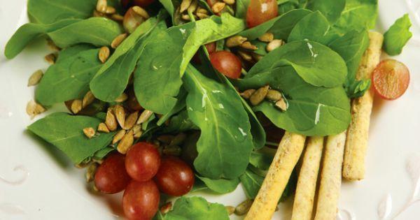 Aprenda a preparar a receita de Salada com grissinis