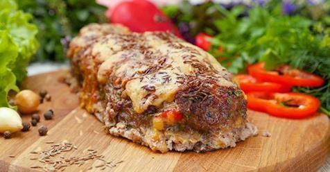 Mäsovo syrová roláda je jedlo, ktoré si moja rodina pýta na náš stôl pravidelne. Ani v reštaurácií ho nenájdete. + videorecept