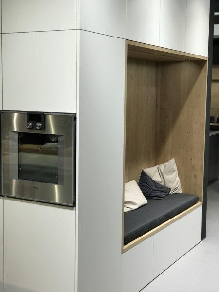 Spectacular K chenmeile bei LEICHT K chen AG im HouseKitchen BONDI XYLO leicht kitchen