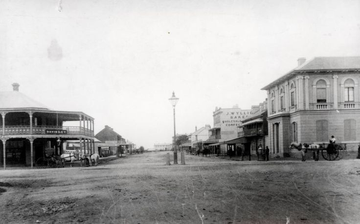 https://flic.kr/p/fAUDxM | The intersection of Newcastle Road and Melbourne Street, East Maitland.(Photo undated)| Loose photos 00067 This image can be used for study and personal research purposes. Please observe copyright and acknowledge source of all photos. If you wish to reproduce this image for any other purpose you must obtain permission by contacting Maitland City Library If you have any further information about the image, please contact us or leave a comment in the box below. v@e.