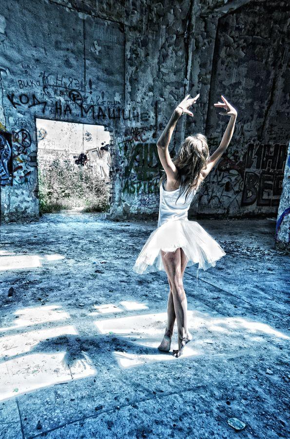 .: Dance Photography, Beautiful Photos, Life, Style, Dream, Ballerinas, Movement, Ballerina Ballet Dance, Alex O'Loughlin