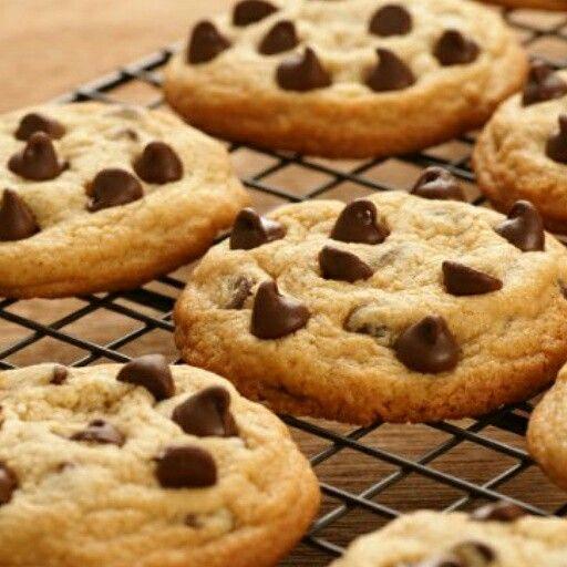 Ricetta golosa Cookies #food #foodporn #angieclausblog #ricetta #biscotti #goccedicioccolato #cookies ⬇⬇ http://angieclausblog.com/2014/10/04/ricetta-cookies/