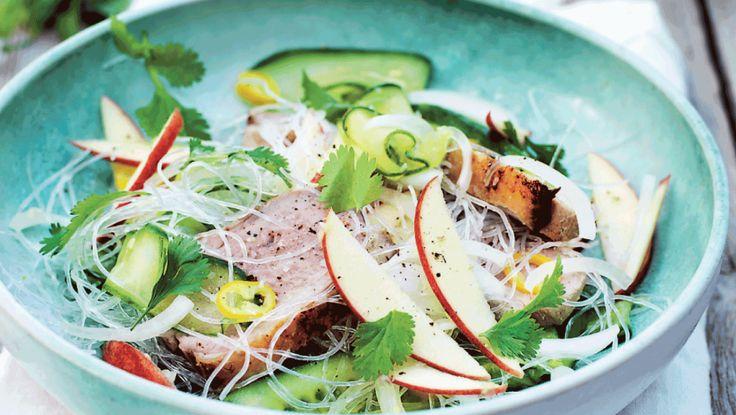 Glasnudler, andebryst og agurkesalat - en dejlig asiatisk ret, som er nem at lave