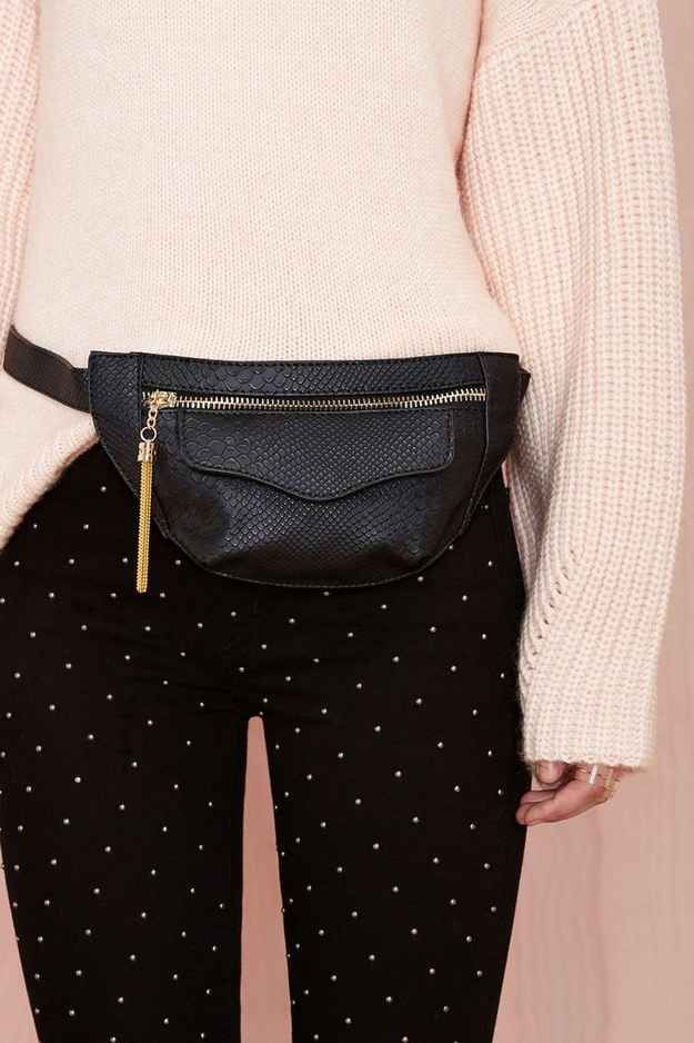 19 Fanny Packs That Will Liberate You From Your Purse!!! PLEASE dont buy unnecessary items!!! Why not use what you already have? Purse straps can usually be shortened --> to waist size! Add different straps/chains for different looks.... (ImJustSayin)