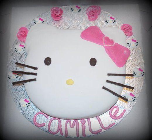 Gâteau Hello Kitty en fondant Hello Kitty Cake in fondant