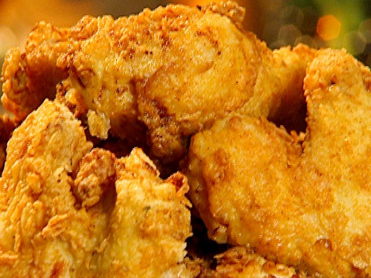 The Neely Family's Spicy Fried Chicken is always a crowd-pleaser!Spicy Fried Chicken, Fried Chicken Recipes, Neely'S Spicy, Food, Fries Chicken Recipe, Spicy Fries Chicken, Southern Fries, Neely Families, Families Spicy