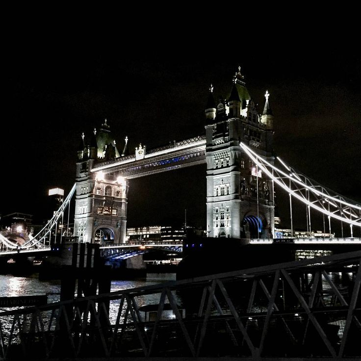 "133 Likes, 4 Comments - Gabriella Buzas (@epicstreetstyle) on Instagram: ""Two Towers 🌉🌉 . ."" london tower bridge nightscene night lights citylights lovelondon cityvibes"