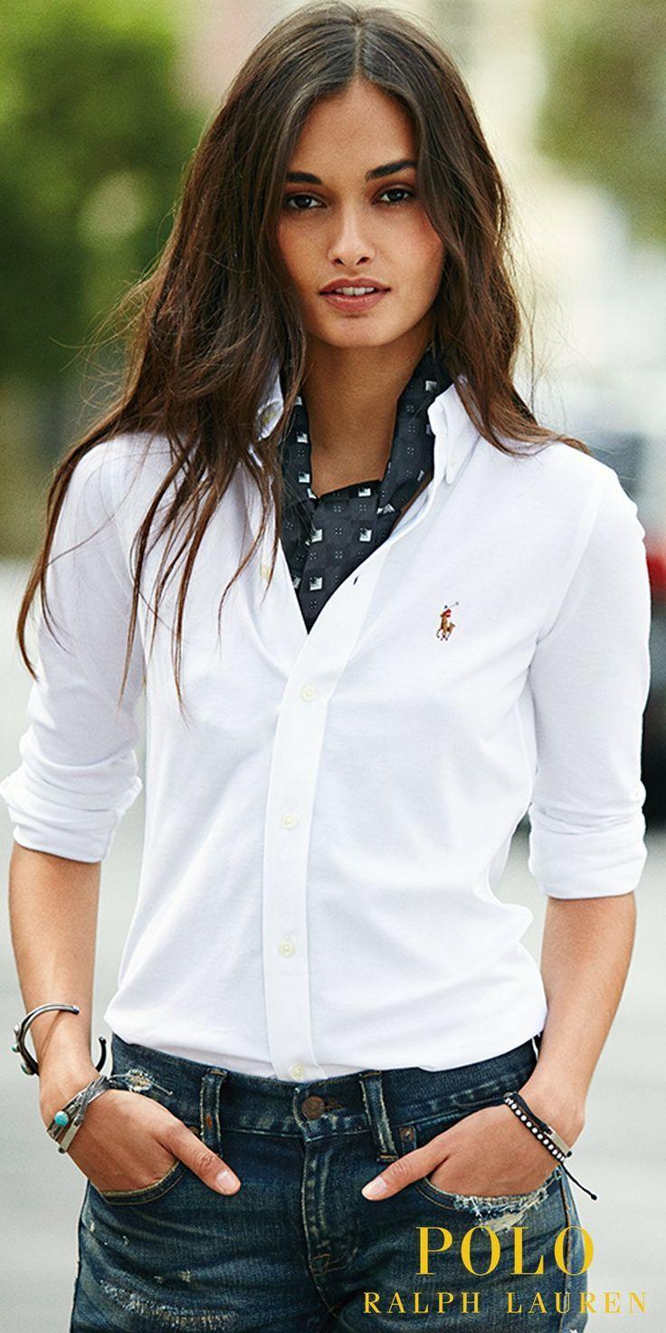 Une icône réinventée : découvrez la nouvelle chemise Oxford en maille signée…