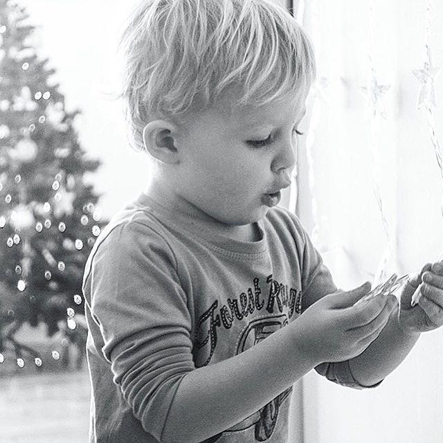 C H R I S T M A S #baby #blackandwhitephotography #christmas