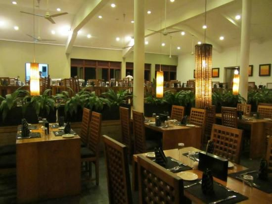 Mermaid Hotel Provides The Best At Cochin Come And Enjoy Vegetarian Non Dishes Of Famous Cuisine Styles Such As Indian Chinese