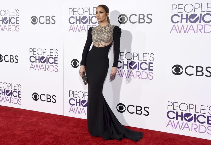 Vestido da Jenifer Lopes, use como inspiração para fazer um sob medida em: costureiro.com.br