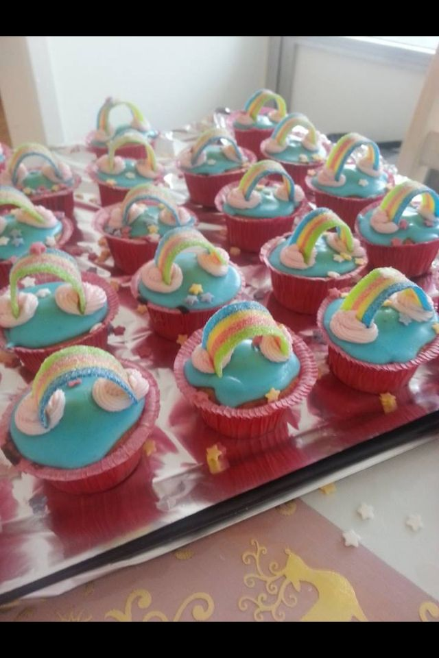 Regnbue kager