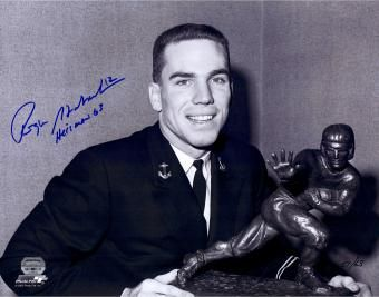 On our list of Famous Veterans celebrating birthdays today is U.S. Navy veteran, Heisman Trophy Winner and Dallas Cowboys QB great Roger Staubach. Wishing #RogerStaubach a Happy 76th Birthday! See if your favorite celeb served: FamousVeterans.com
