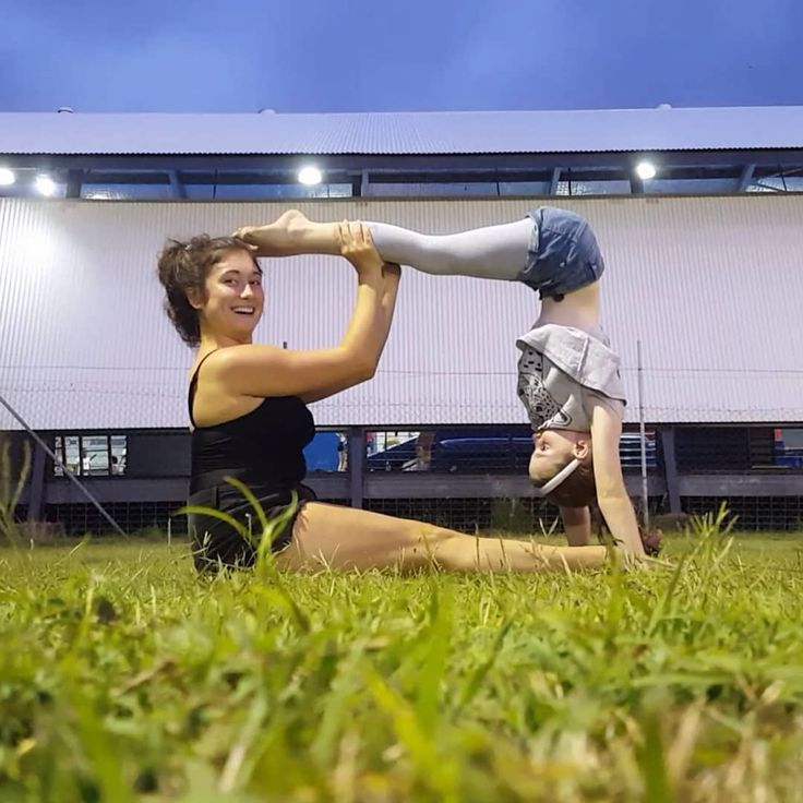 Flexibility Doing some yoga with my sweet host girl  I spend a lot of time with the kids and I really love this pure innocence.  #aupairlife #nanny #yogapose #gymnastics #team #happyday #outside #active #australia #cairns #flexible