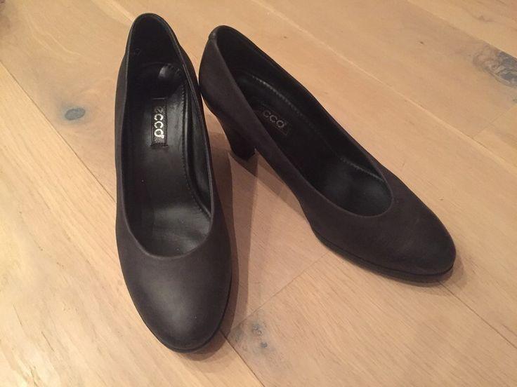 Mein schwarze Schuhe 38 von Ecco! Größe 38 für 26,00 €. Sieh´s dir an: http://www.kleiderkreisel.de/damenschuhe/hohe-schuhe/139919003-schwarze-schuhe-38.