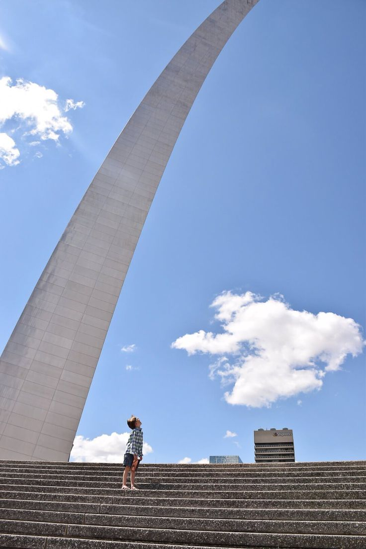 Incredible St. Louis Gateway Arch - Amor for Travel