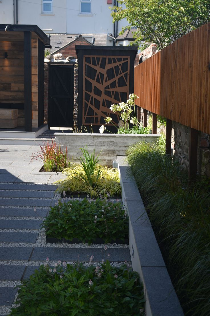 Chic modern garden design in chelsea by declan buckley with steps and - Minimalist Garden By Robert Hughes Garden Design Featuring A Reclaimed Timber Shelter And A Kyoto Garden