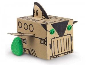 This is another cool toy that incorporates the packaging.: Ecofriend Motors, Cardboard Boxes, Boxes Robots, Cool Toys, Motors Boxes, Public Libraries, Boxrobot, Moving Boxes, Robots Kits