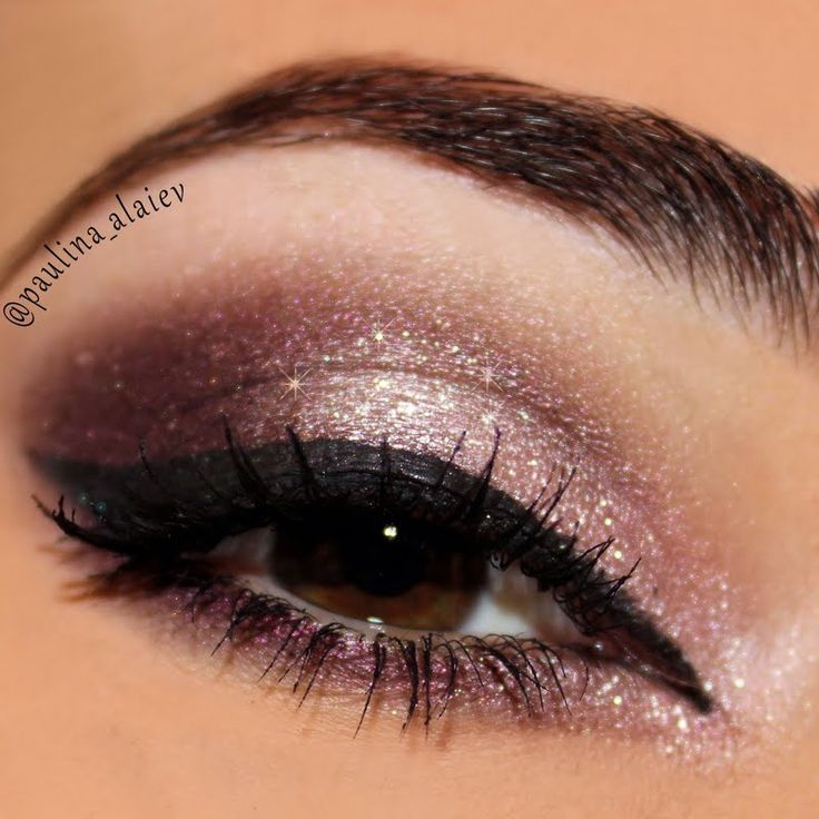 Combine analogous hues such as purple and pink eyeshadow to bring out your brown eyes. This look is perfect for a night out. It's an easy DIY. Catch it here.