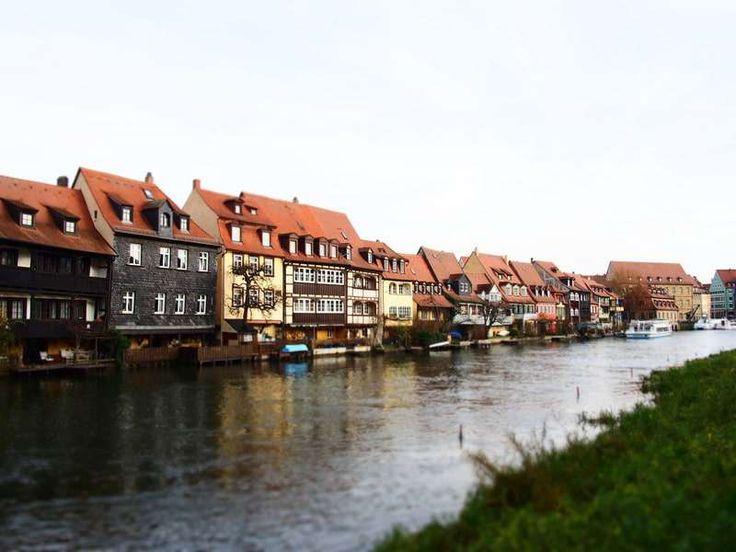 12月22日~12月31日 ドイツ一人旅の記録第三弾。  4日目の25日は、前日と同じく観光施設がほとんど閉まっているので、街の景観が美しく、旧市街地が世界遺産に登録されているバンベルクを散策してきました。