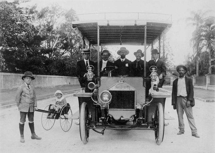 Early Lacre bus in Brisbane 1912