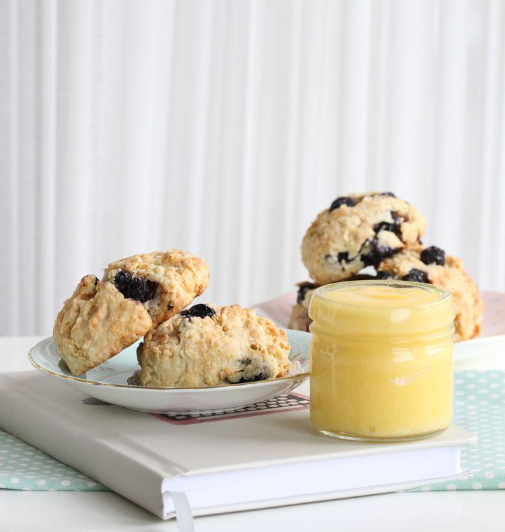 Bakelyst.no: Saftige, myke scones med blåbær.