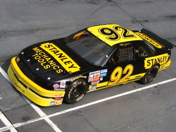 "1992 Chevrolet Lumina #92 ""Stanley Tools"", Hut Stricklin (1:24 Monogram)"