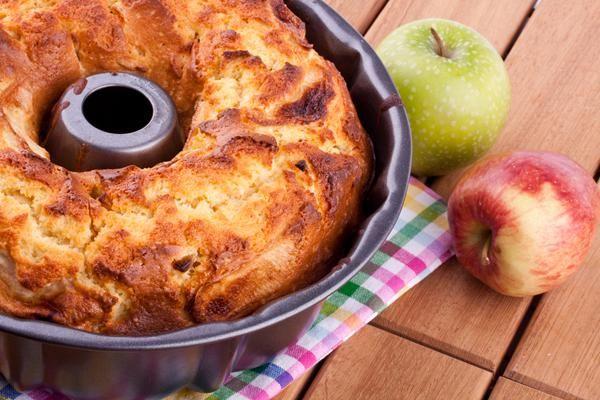 Κέικ μήλου. Γευστικό κέικ με άρωμα μήλου και κανέλας!