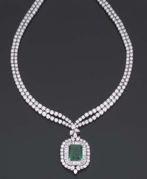 AN EMERALD, DIAMOND AND GOLD NECKLACE